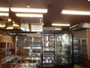 1階厨房 フード 厨房用天吊空調機