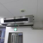 空調室内機(厨房天吊型)