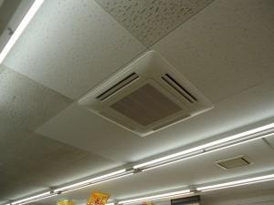 空調機室内機(天井うめ込み4方向)